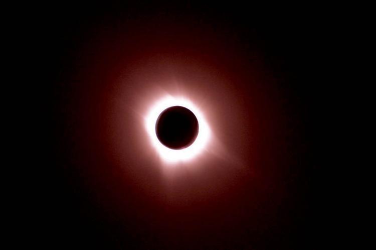 Eclipse © Philippe Riu