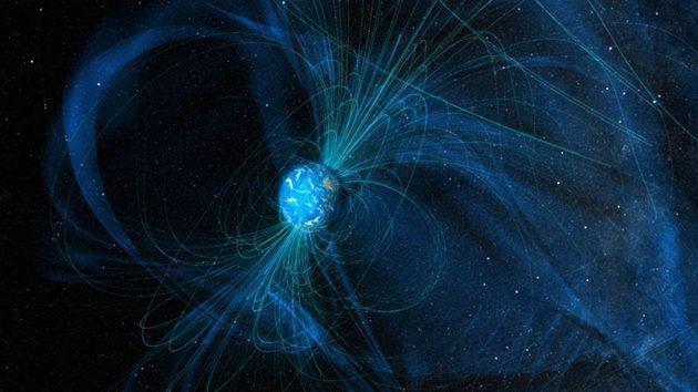 Grafische Darstellung der Feldlinien des heutigen Erdmagnetfeldes (Illu.): Copyright: NASA