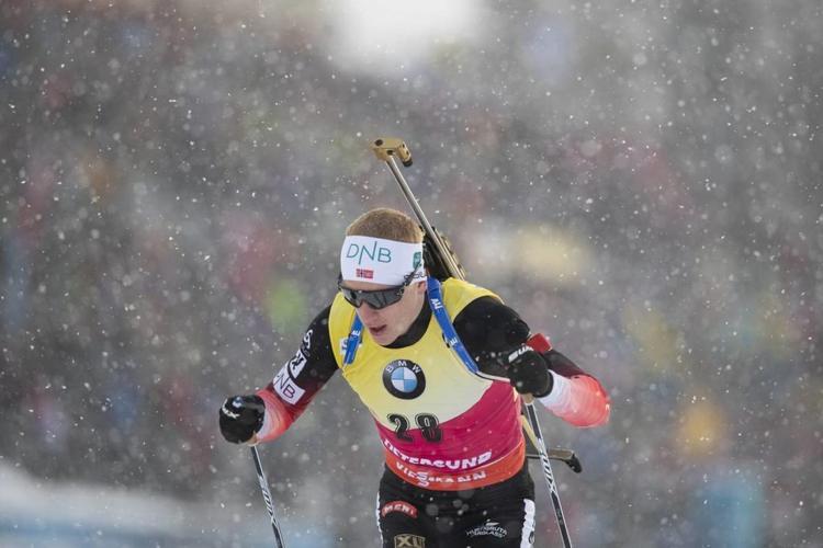 BIATHLON - Intraitable sur la piste malgré une faute, le Norvégien Johannes Boe a remporté le titre mondial du sprint à Östersund où Quentin Fillon-Maillet, à 10/10, s'est paré d'une belle médaille de bronze.