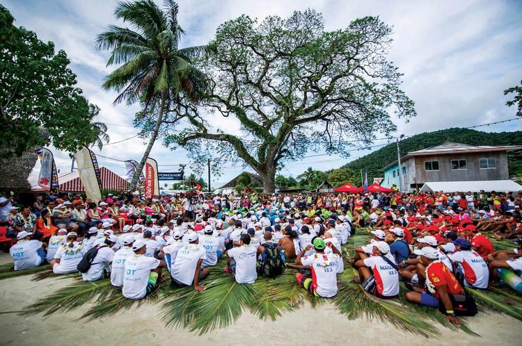 Breifing au départ Hawaiki Nui Va'a ©J. Girardot