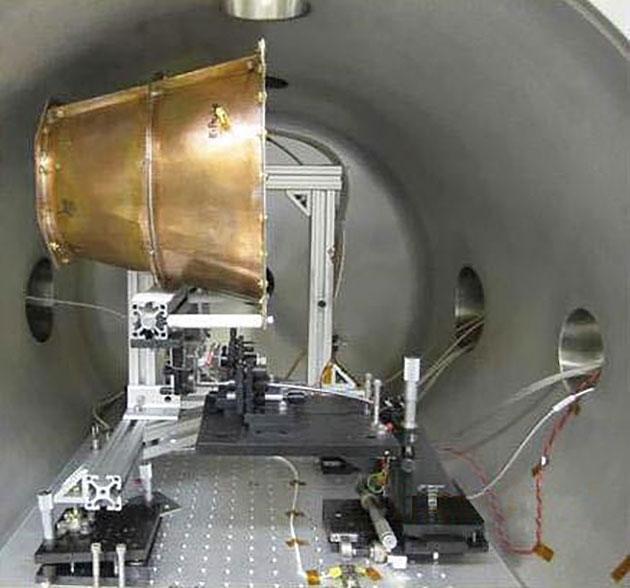 EmDrive-Variante in einem Teststand der Eagleworks-Labors der NASA während Experimenten 2013–2014. Copyright: Gemeinfrei