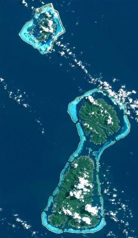 Borabora Tahaa Raiatea, vue satellite -Tahaa est une commune constituée d'une île. Elle fait partie des îles Sous-le-Vent dans l'archipel de la Société en Polynésie française. Elle est située à 230 km à l'ouest de Tahiti, elle partage le même lagon que l'île de Raiatea. Elle est connue pour sa vanille.Joe Dassin 1970