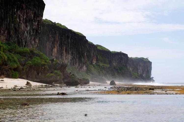 Paysage de l'ile de Rurutu dans l'archipel des Australes. ©P. Bacchet