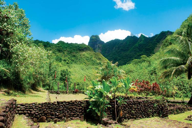 Haute vallée de Papenoo : des sites archéologiques ont été restaurés et peuvent être visités. - © D.Hazama