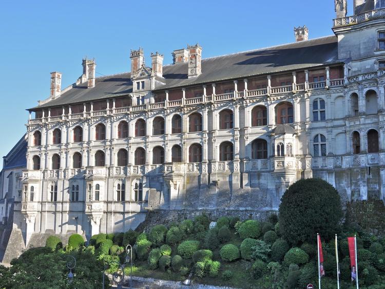 Château_de_Blois_-_Façade_des_Loges-CC0