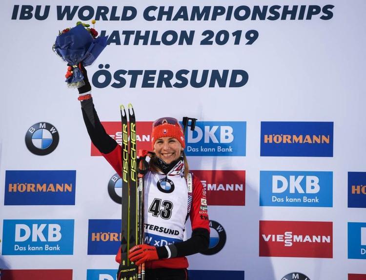 BIATHLON - La Slovaque Anastasiya Kuzmina a décroché, à 34 ans, son premier titre mondial en remportant le sprint d'Östersund devant Ingrid Trandevold et Laura Dahlmeier. Les Françaises en grande difficulté…