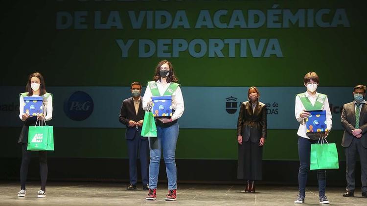100 Becas FUNDAL_Tres Premios Extraordinarios_web
