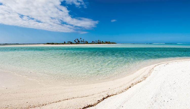Jean-Pierre Marquant : le coureur d'atolls, banc de sable blanc - © P-Bacchet