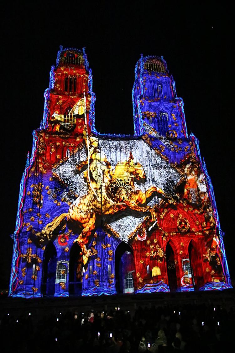 Son et lumière sur la cathédrale Sainte-Croix d'Orléans